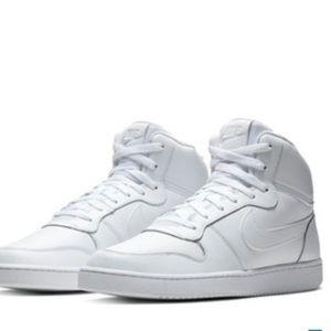 Nike Air mid top basketball tennis shoes 13